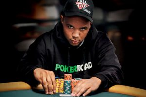 Pemain Poker Online Profesional Terkaya