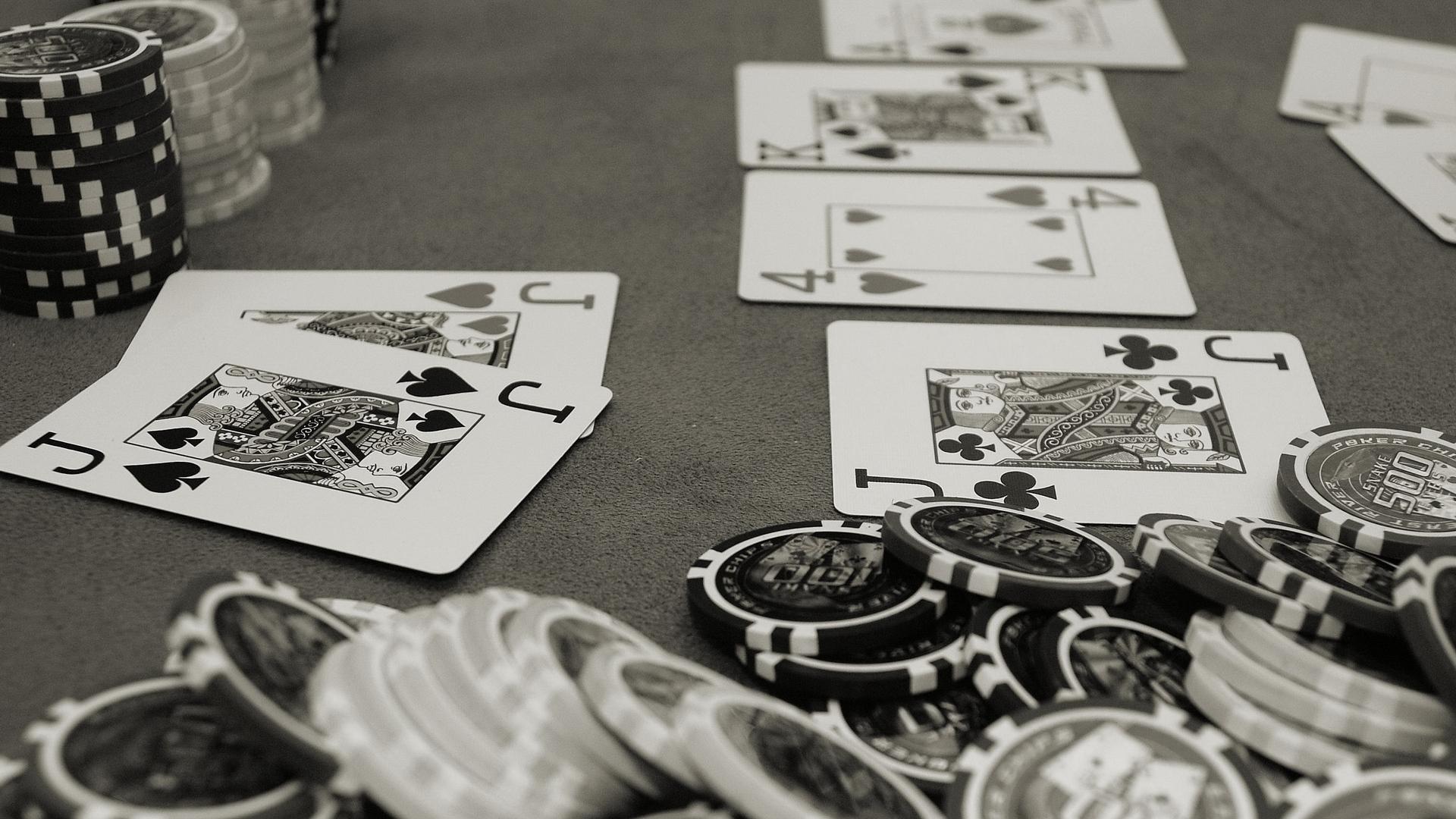Strategi Ampuh Memenangkan Judi Omaha Poker